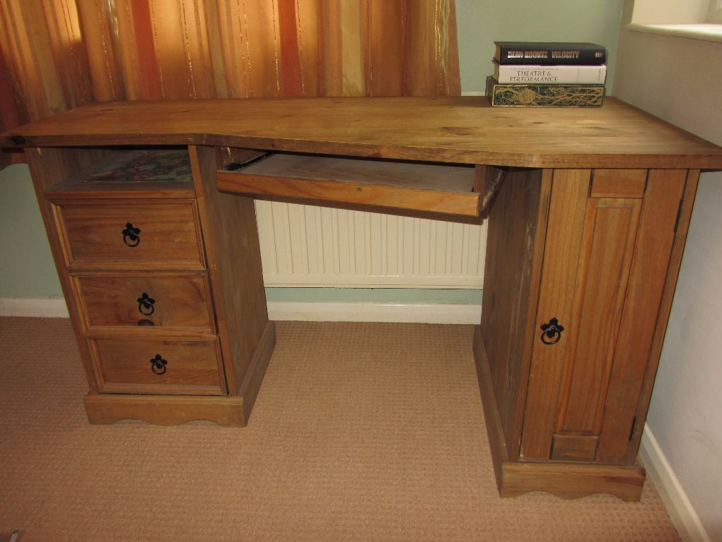 Pine corner computer desk table 3 drawers one door good condition office kid 39 s bedroom nr8 pick - Pine corner desks ...