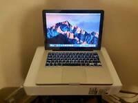 Apple macbook pro core2duo 4gb ram 500gb hhd webcam