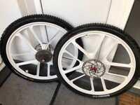 White mag mtb wheels 27.5