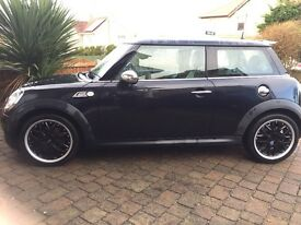 BLACK MINI COOPER S, High Spec, HPI clear, Full Service History.