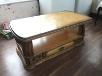 Victorian coffee table Original oak wood in Immaculate condition