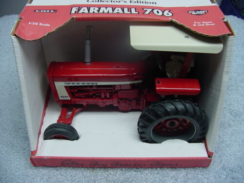 ERTL 1/16 IH INTERNATIONAL HARVESTER FARMALL 706 TTT  TRACTOR SE