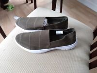 Avon size 6 shoes brand new