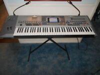 Yamaha Pro 9000 Keyboard.