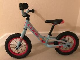 Cube girls balance bike