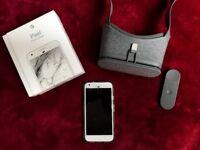 Google Pixel XL - 128GB - Very Silver (Unlocked) Smartphone + Daydream View - VR headset