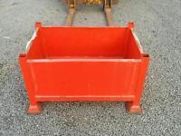 Stillage steel pallet box forklift