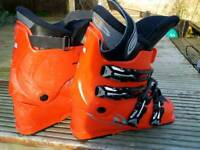 Salomon ski boots size 7-8