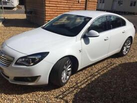 2015 white vauxhall insignia elite, leather interior top of the range, good as new