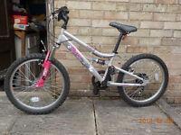 "Girls Bike - Apollo Pure Girls Mountain Bike - 20"" 7-9 yrs 117-136cm 68-81cm 20"""