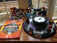 Skylanders Giants book, elemental table, wireless portal and characters