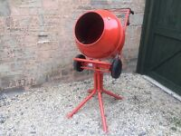 Electric Cement Mixer 240v + Stand used once (NOT BELLE)