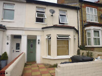 Large clean 4 double bedroom house available. 10mins walk to Norbury or Thornton Heath Train