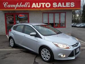 2012 Ford Focus SE AUTO!! AIR CONDITIONING!! POWER LOCKS!! POWER
