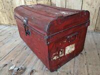 Vintage / antique travel trunk TV stand coffee table decorative storage gplanera