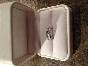 Ladies Diamond Band Style Ring White Gold Gatineau Ottawa / Gatineau Area image 1