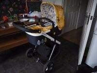 Cosatto Giggle 3-in-1 Oaker Travel System