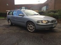 VOLVO V70 ESATE CAR D5 (diesel) --FULLY AUTOMATIC--MAIN DEAER FULL SERVICE HISTORY-- ONE YEAR MOT--