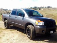 Awesome 2013 Nissan Titan (REDUCED)