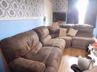 FAUX LEATHER CORNER GROUP