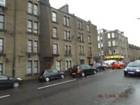 Spacious 2-Bedroom Property On Gardner Street (Available from 16/05/2018).