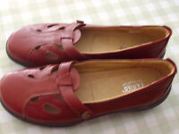 Hotter Shoes - Never Worn - Red size 9 (43)