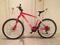 Specialized Mountain Bike With Hydraulic Disc Brakes + Front Lockout Suspension