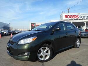 2013 Toyota Matrix - SUNROOF - BLUETOOTH