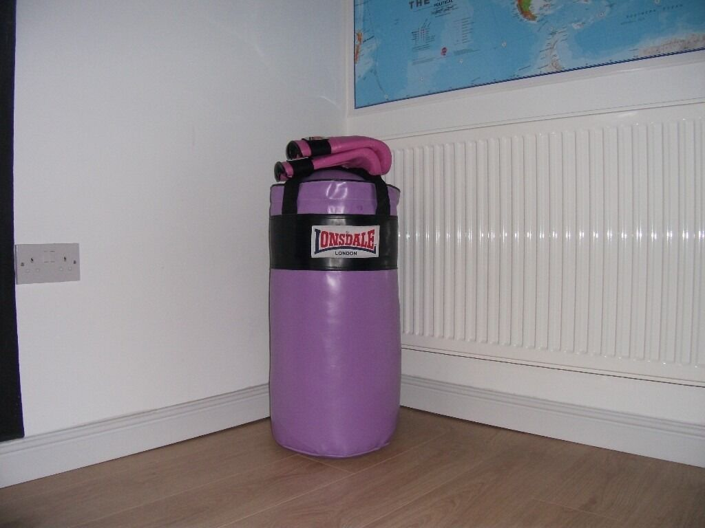 NEW LONSDALE PURPLE PUNCH BAG AND PINK MITTS IN BOX *CHRISTMAS PRESENT *