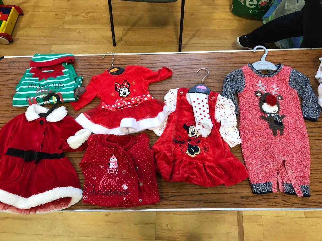 6 x Xmas outfits (newborn and 0-3 months)