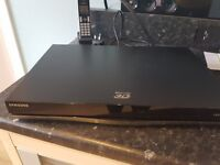 Blue-Ray 3D HDD Combo DVD Player