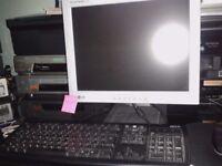 "15"" LG LCD FLAT PANEL MONITOR (4:3) DVi & VGA INPUTS"