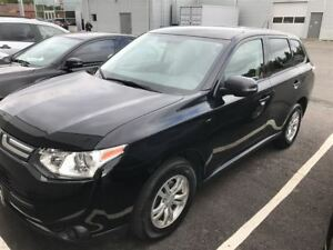 2014 Mitsubishi Outlander SE Low Mileage, 4x4, One Owner!!!