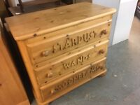BEAUTIFUL SOLID OLD PINE CHILDS CHEST OF THREE DRAWERS