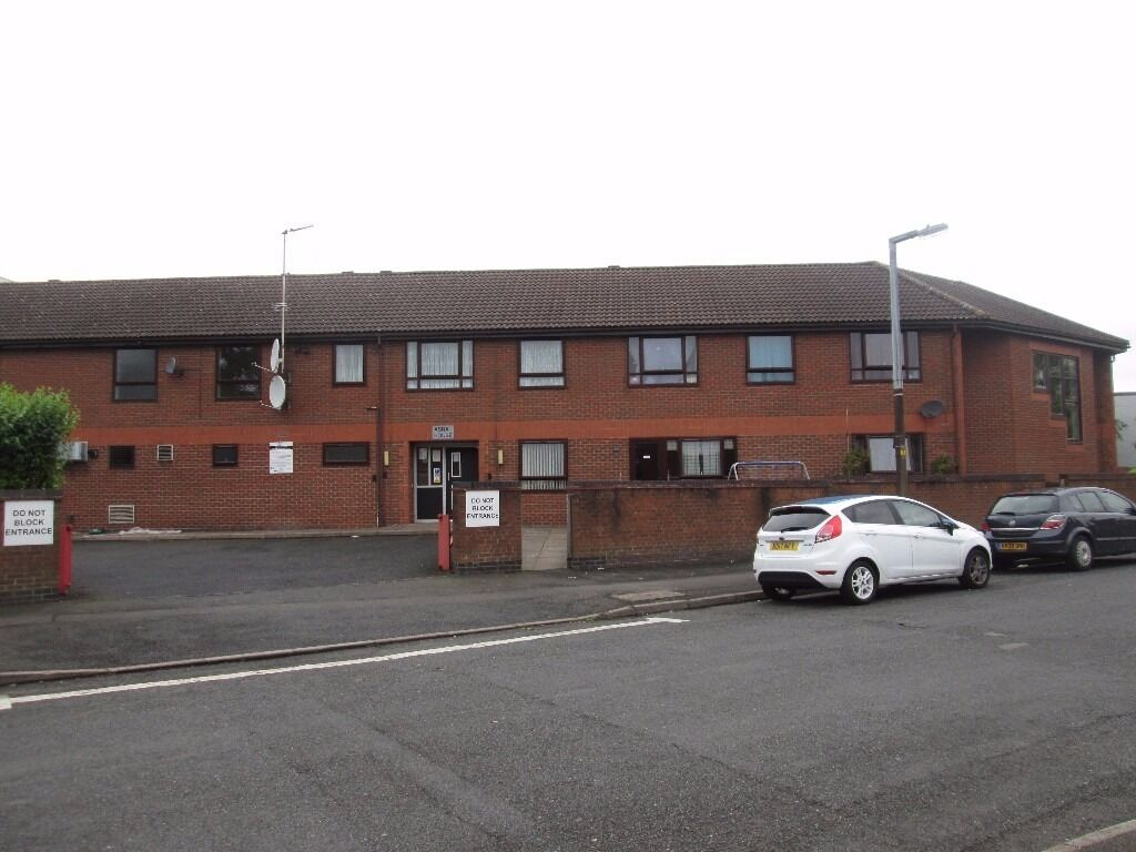 ONE BEDROOM FLAT TO RENT * OVER 50S ONLY * FLAT 19 OXFORD ROAD SMETHWICK * DSS ACCEPTED * HOUSING B