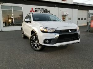 2017 Mitsubishi RVR SE Limited Edition; Only 1600 KM!