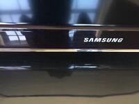 "32"" Samsung HD LCD TV"