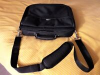 TARGUS Laptop Bag - Brand New and unused See images for details