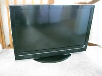Hitachi 42 inch LCD TV, inc stand and remote