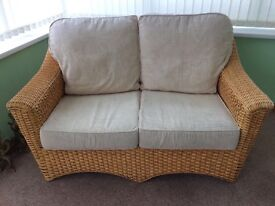 Immaculate Wicker 2 Seater/2 Chairs