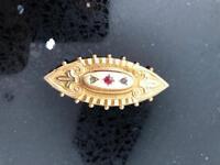 Old Victorian 9ct gold locket brooch