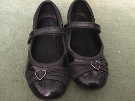 Girls clarks school shoes size 2G