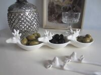Set of Three White Ceramic Stag design Serving Dishes NEW ideal for nibbles and snacks