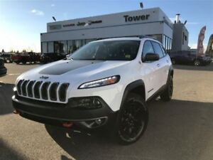 2015 Jeep Cherokee Trailhawk-PANORAMIC SUNROOF, BACKUP CAM, AUX