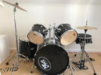 Drum Set - 5 piece drums, Hi Hat & Crash & Pedestal
