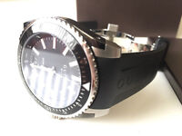Gucci Dive 45 men's black rubber strap watch. Bought April 2016. Worn Once. Like New. RRP £695.00