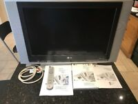 LG LCD RZ26LZ55 Television with free digital box and wall mount