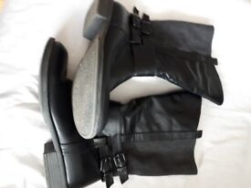 Black Ladies Boots size 8