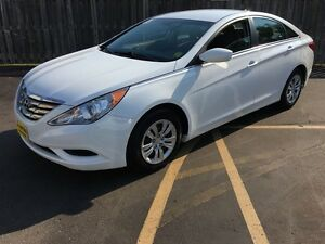 2013 Hyundai Sonata GL, Automatic, Heated Seats, Bluetooth