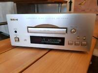 TEAC Reference 500 CD player